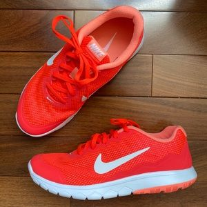 Nike Women's Flex Experience Run 4 Running Shoe